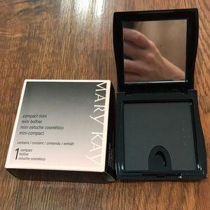 Mary Kay; Compact Mini: